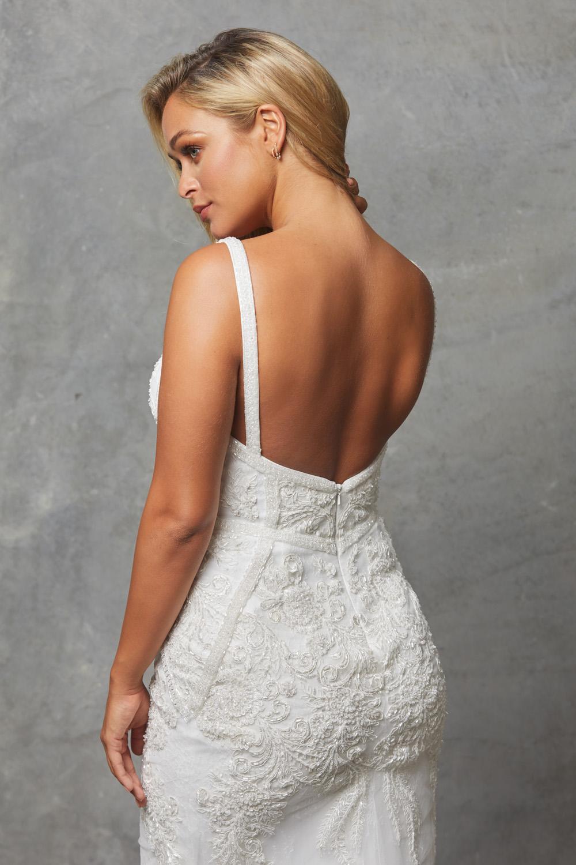 TC226 Vintage white Adelia dress back close