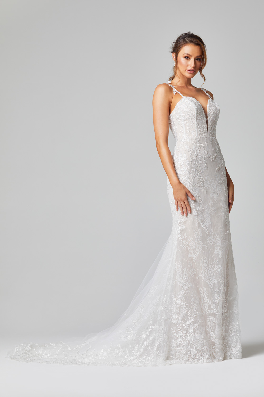 TC324 Juliet wedding dress side