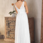 TC282 BLAIRE V WHITE BACK