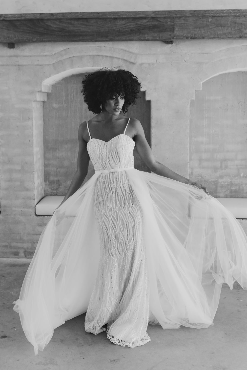 HARMONY TC254 Vintage White front detachable skirt
